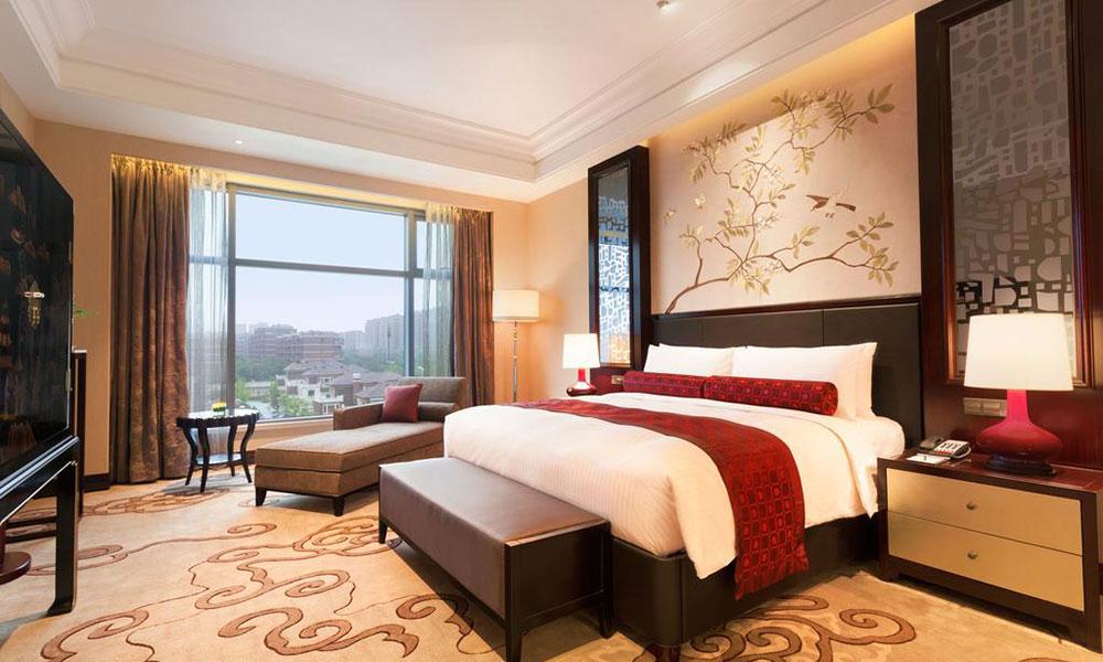 广东酒店家具厂-酒店客房家具去污有效方法